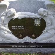 Памятник со скульптурой_8